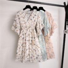 Весенне-летнее шифоновое платье для женщин, длина до колена, v-образный вырез, платье с принтом, милое платье с рюшами, без рукавов, тонкое Новое повседневное женское платье на шнурке